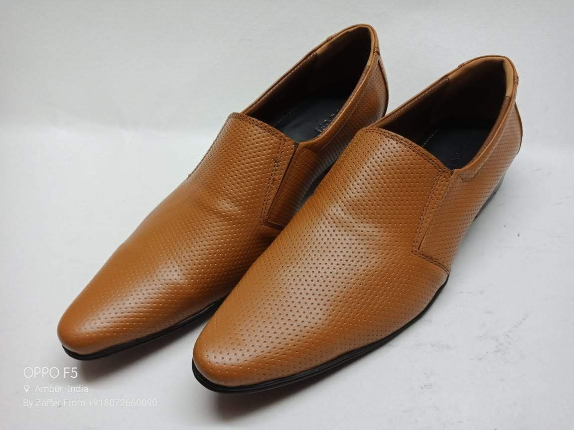 Trendy Tan Formal Spotted shoe with free Tan Belt